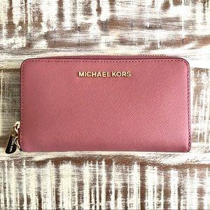 NEW✨ Michael Kors Wristlet Wallet in Rose
